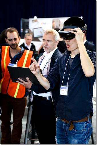 Kris Riemslagh from hsbCad wowing a DevCon attendee