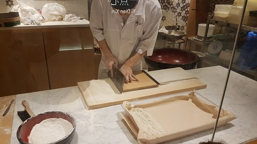 True artistry - making soba noodles