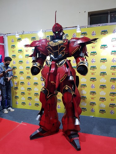 An outstanding piece of cosplay