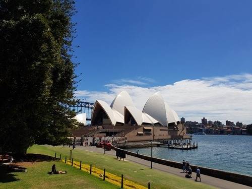 Approaching the Opera House from the gardens