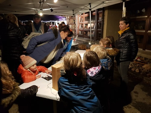 Kids in Wavre selling their wares