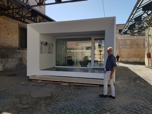 An architectural exhibit on re-configurable spaces