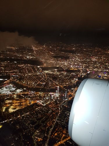 View over the Thames when landing at Heathrow