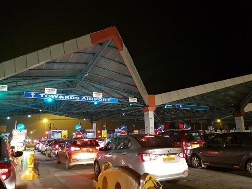 Toll plaza at 4am